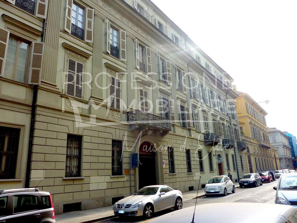 Locato: Torino, Via Della Rocca