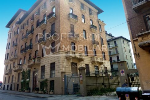 Via Ribet,appartamento in vendita aTorino 01