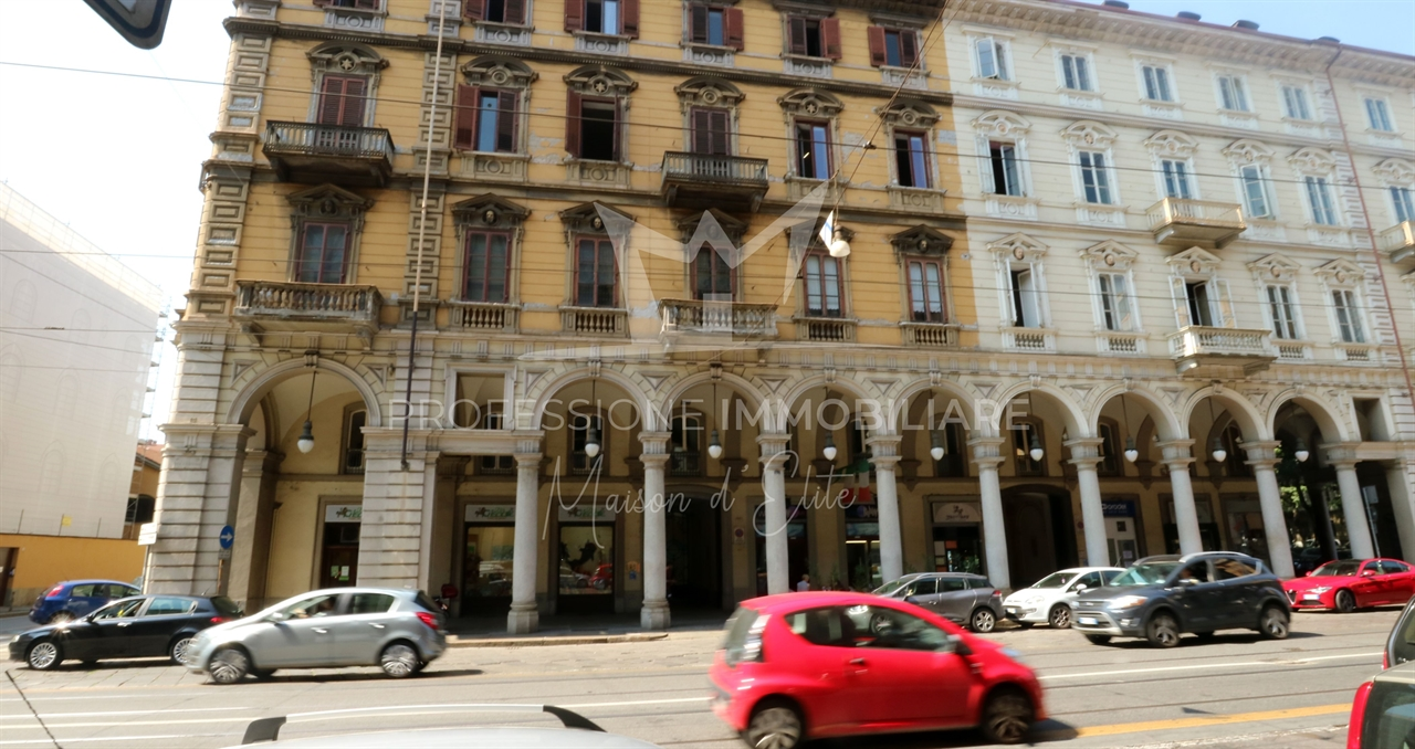Locato: Torino, Via Cernaia