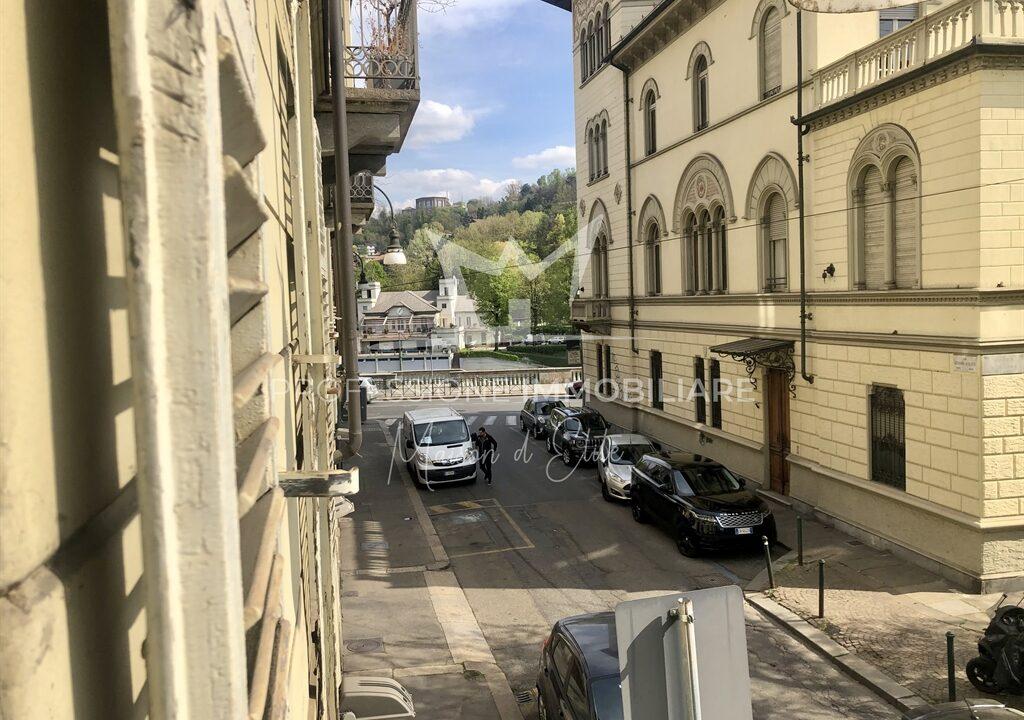 Torino, Via Giolitti8