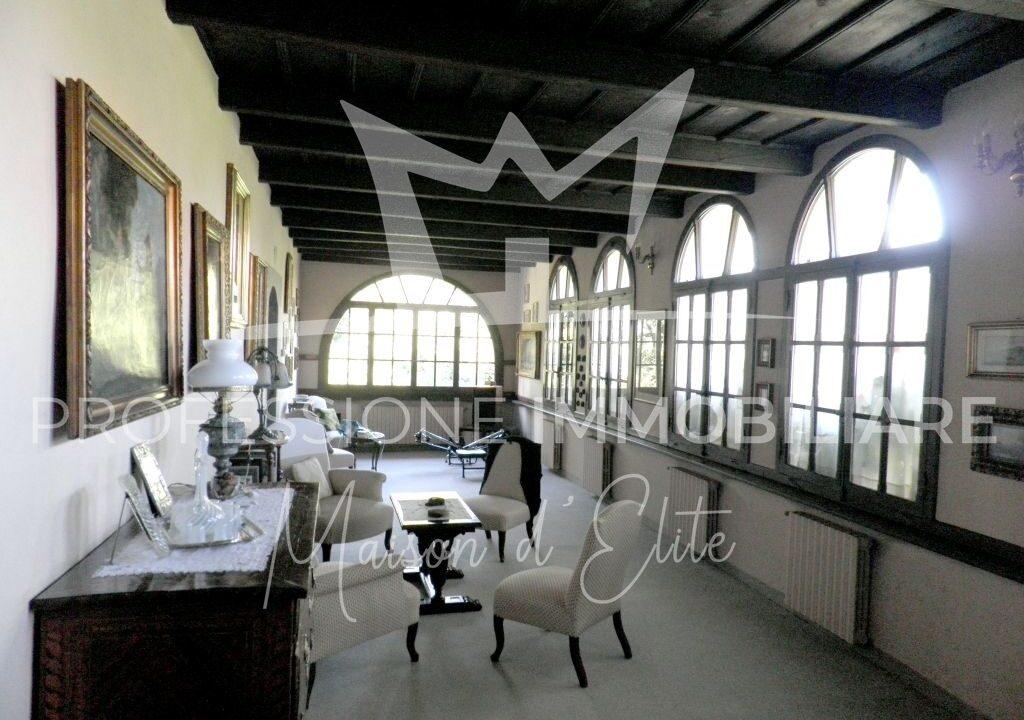 Banchette d'Ivrea, Castello13